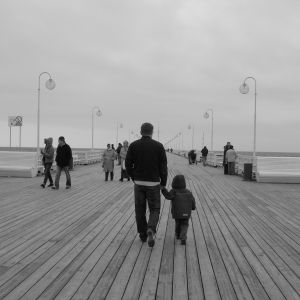 1123144_walk_on_pier